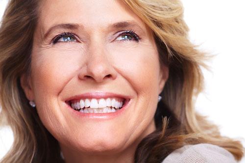 Get A Beautiful Smile Fast With Dental Veneers